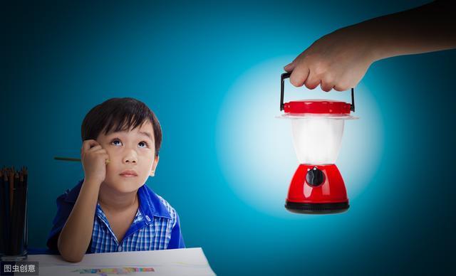 爱因斯坦:想象力比知识更重要,培养孩子想象力,家长应该这么做